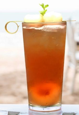 Công thức pha trà vải hấp dẫn với trà đen Hoàng Gia